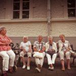 OMS cobra melhorias no atendimento aos idosos