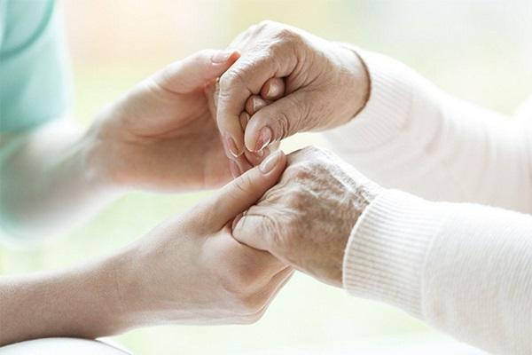 Educação em Saúde ao Familiar Cuidador de Adoecidos em Cuidados Paliativos Oncológicos Domiciliares