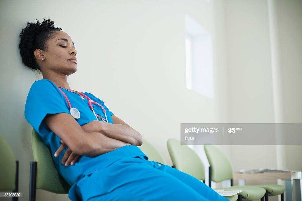 Sono, Qualidade de Vida e Humor em Profissionais de Enfermagem em Unidades de Terapia Intensiva Infantil