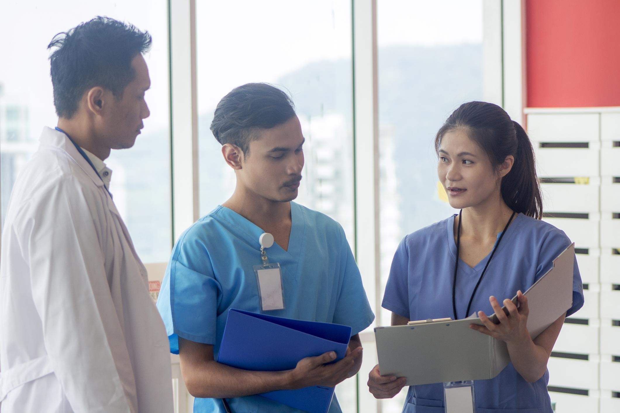 Competências e Barreiras Para Prática Baseada em Evidências na Enfermagem