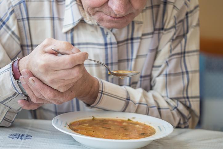 Cuidar de Idosos Com Doença de Parkinson: Sentimentos Vivenciados Pelo Cuidador Familiar