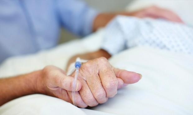 Formação Acadêmica e Qualificação Profissional dos Enfermeiros Para a Prática em Cuidados Paliativos